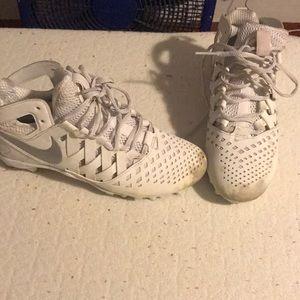 white nike men lacrosse cleats